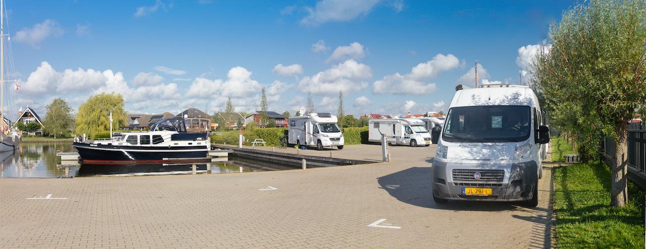 Camperplaats Leeuwarden en Jachthaven Leeuwarden