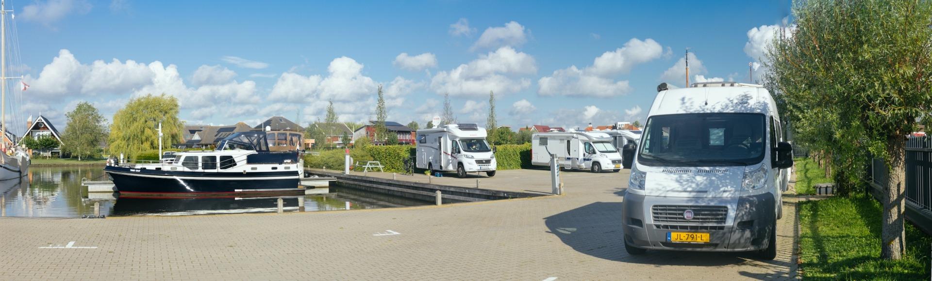 Camperplaats Leeuwarden met jachthaven Leeuwarden