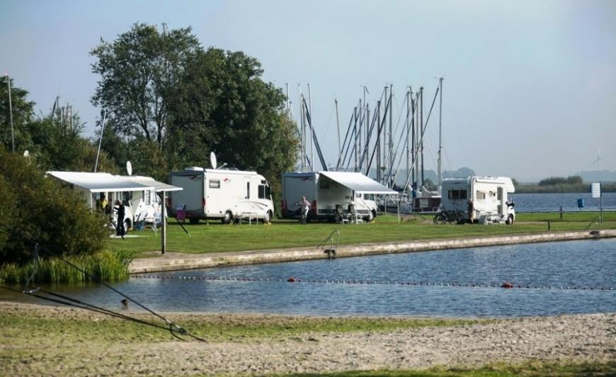 Camperplaats Leeuwarden-De Kuilart