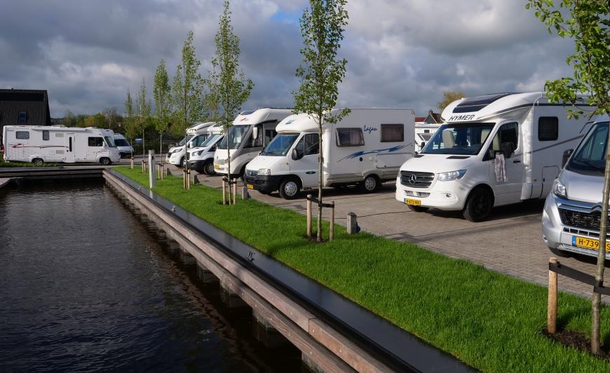 camperplaats aan het water- Camperplaats Leeuwarden